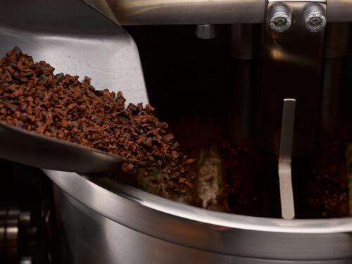 5. broyage et affinage - ORFEVE Manufacture Suisse de Cacao et Chocolat - photo diode SA Denis Hayoun 3